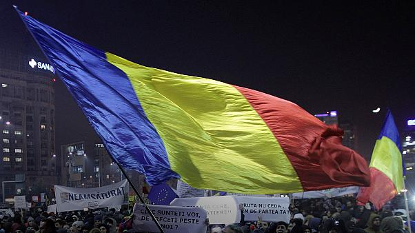 ЕС пытается убедить власти Румынии отказаться от спорного декрета