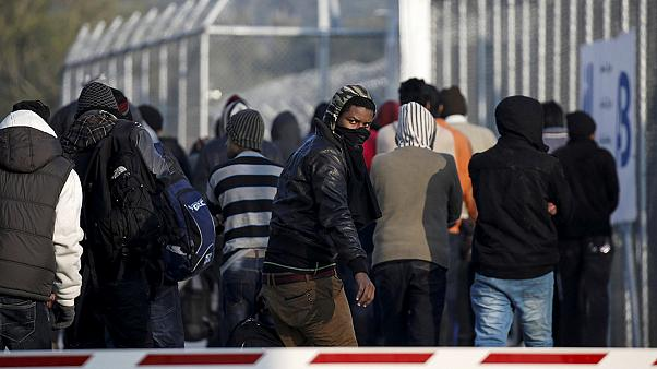 Греция: мигранты погибли от угарного газа самодельных печек