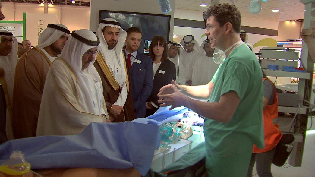 В Дубае медиков учили печатать... чтобы лечить