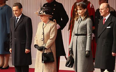 The queen carried the handbag when she met French president Nicolas Sarkozy and his wife, Carla Bruni-Sarkozy, in 2008.