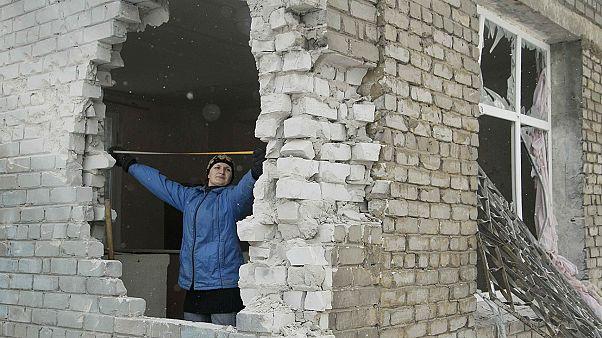 Otra noche de fuertes bombardeos en Donetsk