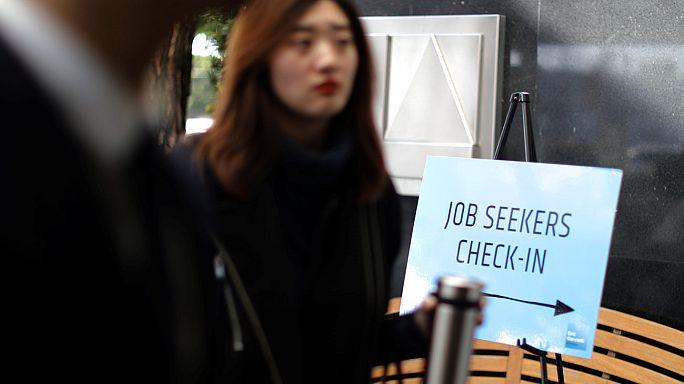 EEUU acelera la creación de empleos, aunque el paro sube al 4,8%
