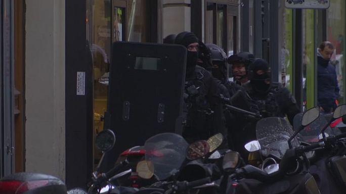Возбуждено международное расследование нападения у Лувра