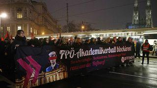 Áustria: protesto contra baile da extrema-direita em Viena