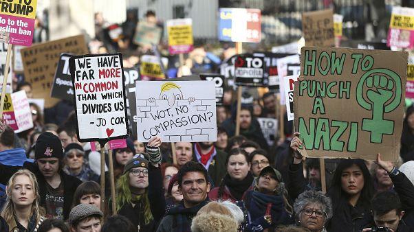 مظاهرات منددة في أوروبا وأستراليا ضد سياسة ترامب إزاء المهاجرين والمسلمين