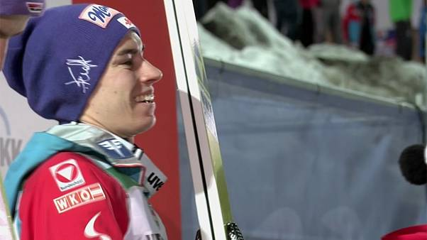 Saltos de esqui: Em Oberstdorf só podia ganhar Stefan Kraft