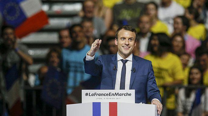 المرشح المستقل للانتخابات الرئاسية الفرنسية إمانويل ماكْرون يزور لِيُونْ