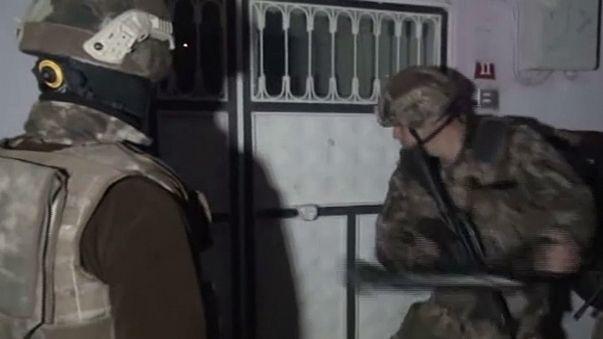 السلطات التركية تعتقل المئات للاشتباه بارتباطهم بتنظيم داعش