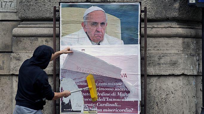 Konzervatív támadás Ferenc pápa ellen