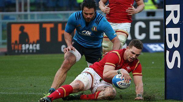 Gales despierta en la segunda mitad y vence a Italia por 33-7
