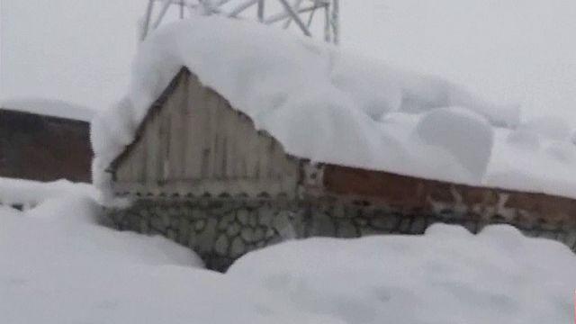 Афганистан: лавины, вызванные снегопадами, привели к гибели десятков людей