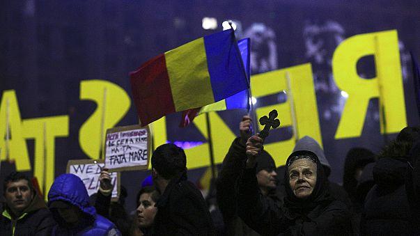 Protestos continuam nas ruas de Bucareste