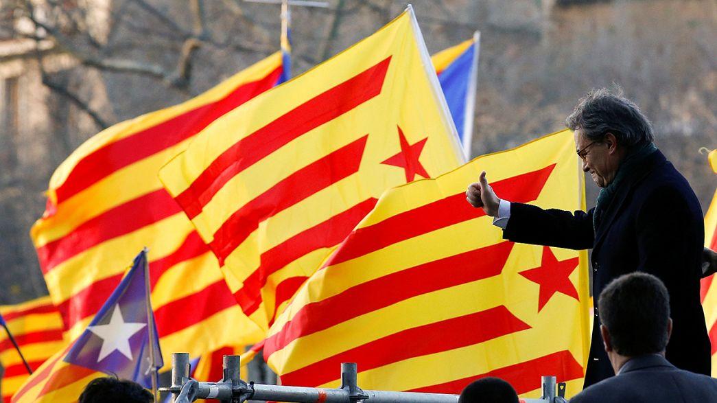 Catalunha: Mas começa a ser julgado por causa do referendo sobre independência
