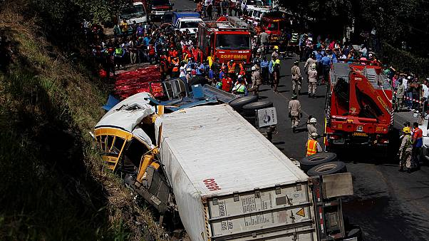 Honduras: 'over 20 dead' in bus and lorry crash