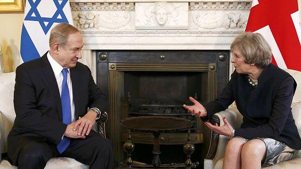 ماي تؤكد لنتانياهو التزام المملكة المتحدة بحل الدولتين