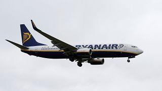 Ryanair: падение прибыли из-за снижения тарифов