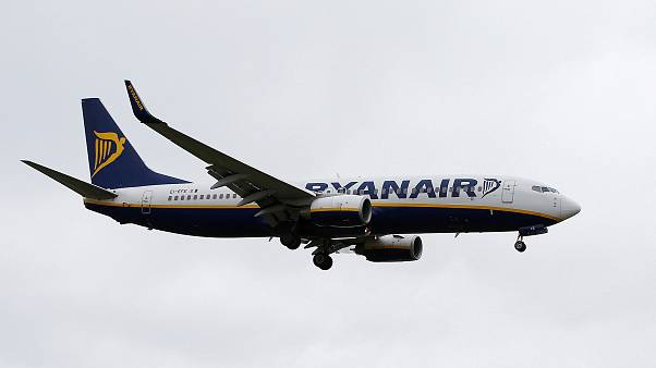 Lower fares shrink Ryanair's profits