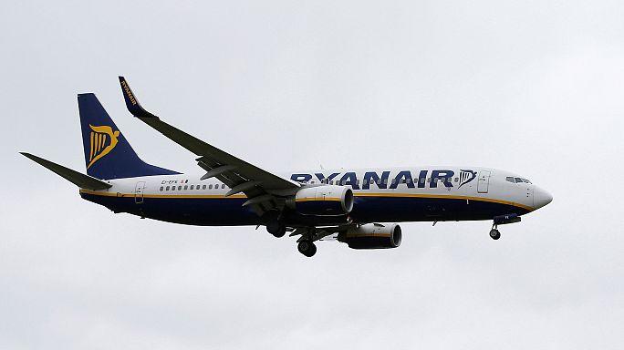 Prezzi dei biglietti (e utili) in picchiata: fine 2016 nero per Ryanair