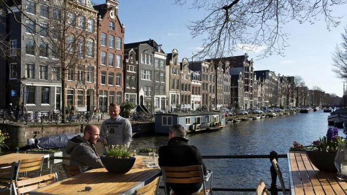 300 ezer eurós bírságot kapott a holland lakástulajdonos