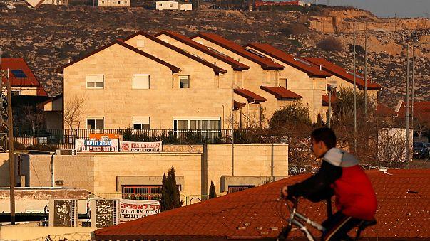 اسرائيل تسلب مزيدا من أراضي الفلسطينيين