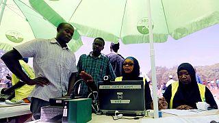 Élections au Kenya : les stratégies insolites pour faire enregistrer les électeurs
