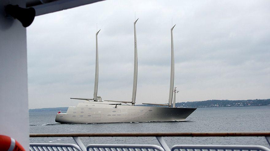 Dev yat 'Sailing Yacht A' suya indi