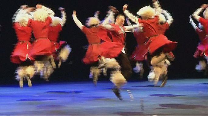 """Ballet Nacional da Geórgia: """"Sukhishvili"""" com movimentos elegantes e demostrações de força"""