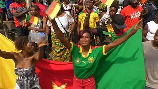 Les champions d'Afrique accueillis en triomphe à Yaoundé [no comment]