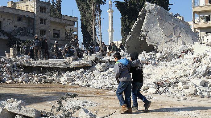 عشرات القتلى والجرحى في غارات عسكرية جوية على ادلب وروسيا تنفي القيام بها
