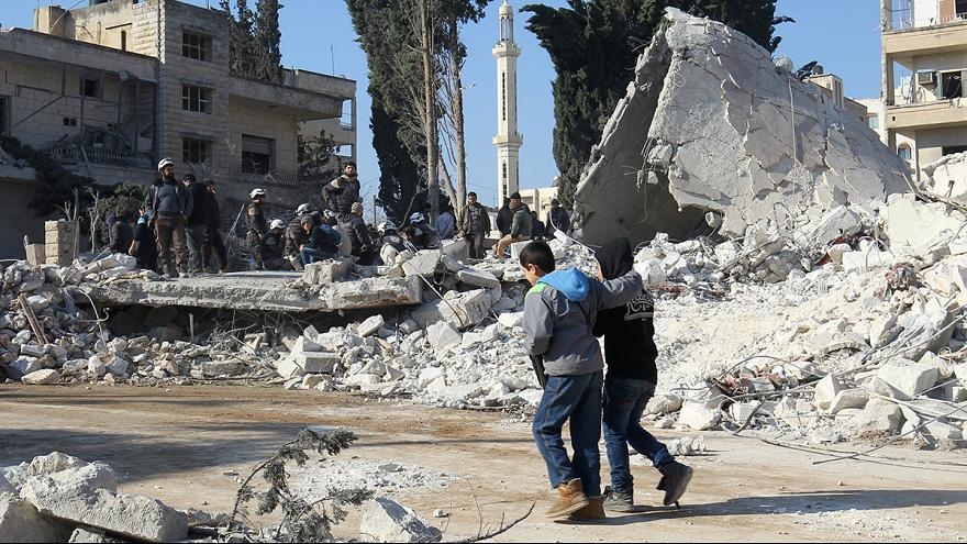 İdlib'e yapılan hava saldırıları sivilleri vurdu