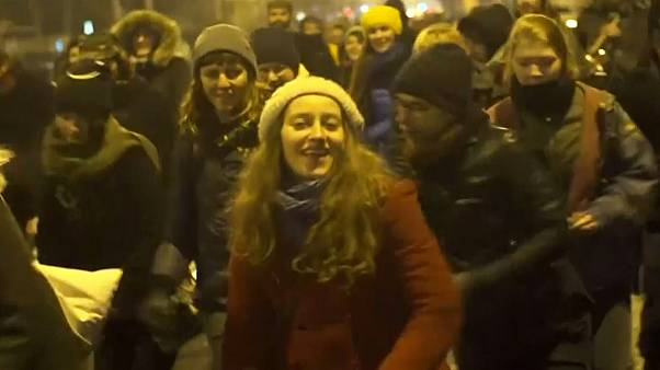 Romanian protesters dance as demonstrations enter their sixth day