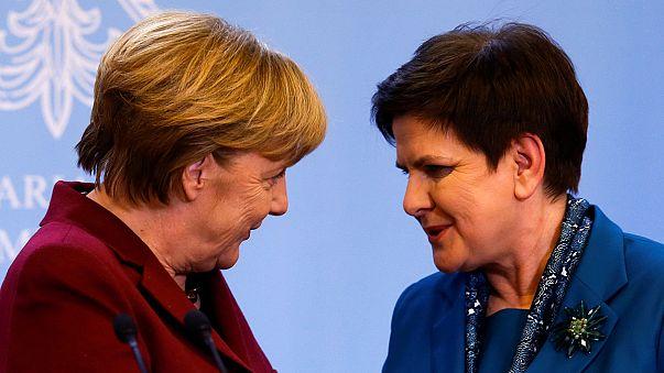 Merkel: többsebességes Európa kell