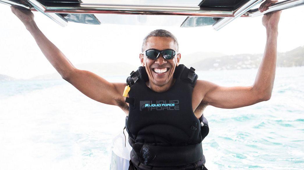 Barak Obama surfea en las Islas Vírgenes británicas