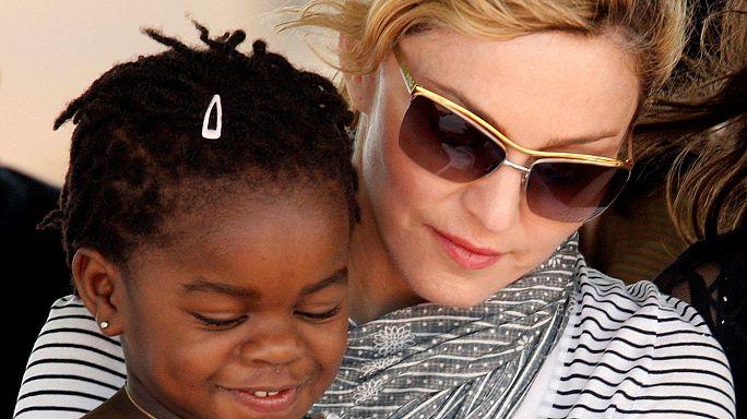 Újabb két gyereket fogad örökbe Madonna Malawiból