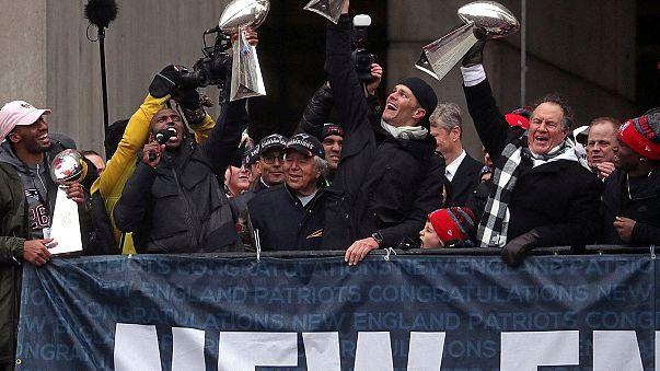 Hazatértek a Super Bowl-győztesek