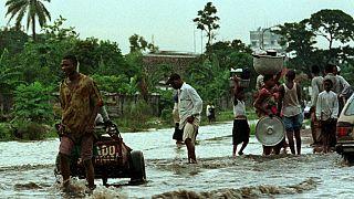 Au moins deux morts dans les inondations à Kinshasa ; les autorités accusées