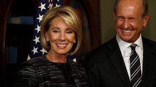 Бетси Девос была утверждена на пост министра образования США при участии вице-президента