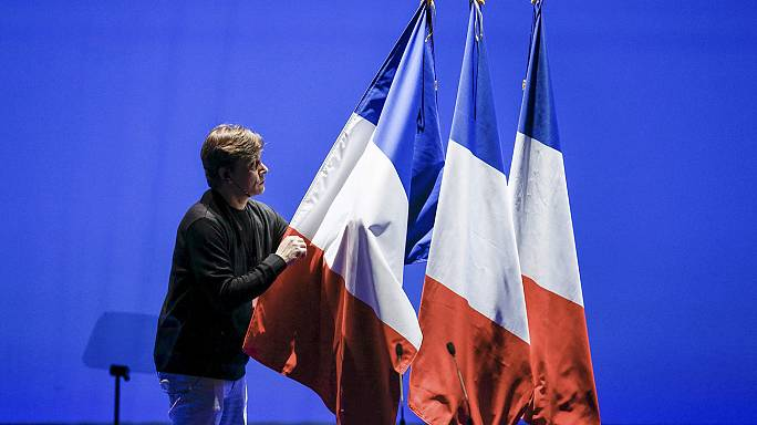 Penelopegate: Novas revelações abalam desculpas de Fillon