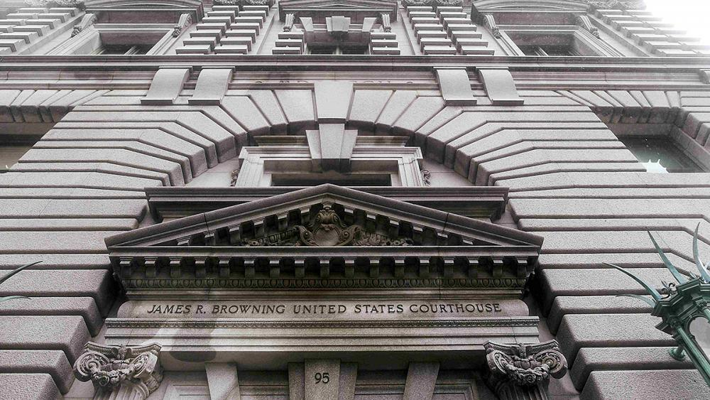 محكمة الاستئناف تبث في الطعن ضد مرسوم ترامب حول حظر السفر   Euronews