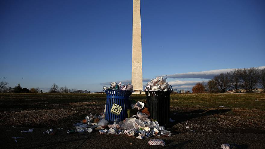 Image: Trash accumulates along the National Mall during the partial governm