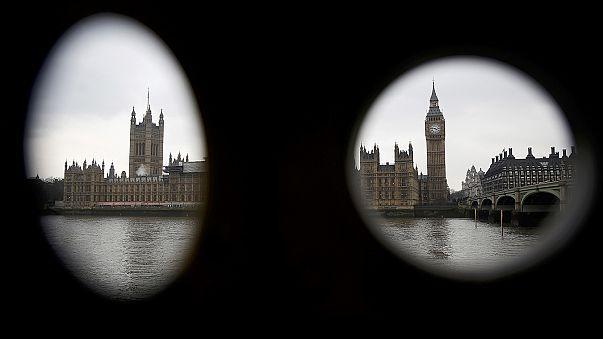 Zöld utat adott a brit parlament a kormánynak a brexit elindításához