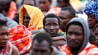esz-Szebszi: globális stratégia kell a menekültválság ellen