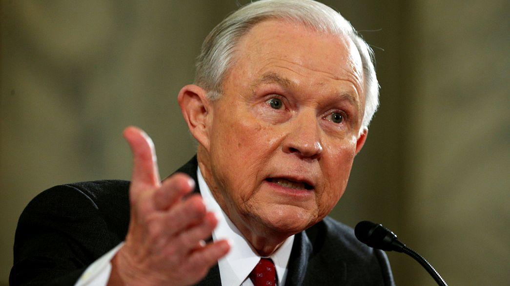 Göçmen karşıtı Jeff Sessions ABD'nin yeni Adalet Bakanı seçildi