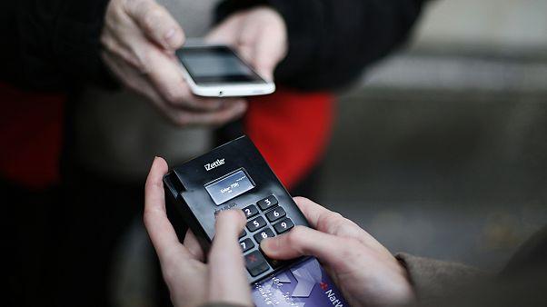 Ελλάδα: Αυτά είναι τα 12 πρώτα επαγγέλματα για υποχρεωτικές συναλλαγές με POS