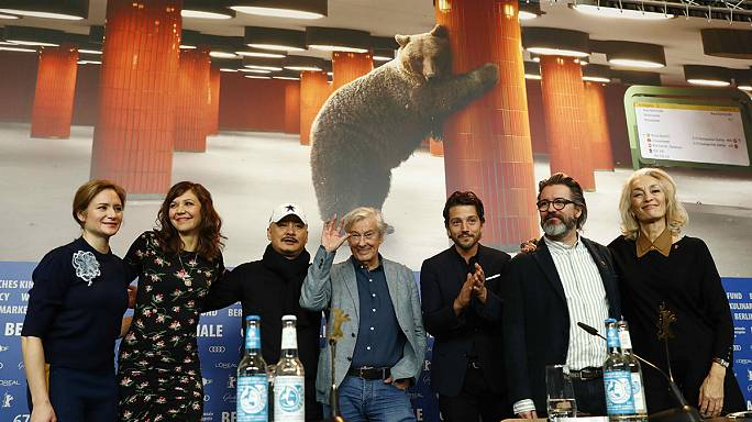 افتتاح مهرجان برلين السينمائي بنكهة غجرية