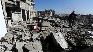 Enkaza dönen Halep'te yeni bir yaşam savaşı