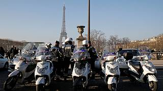 Una valla de cristal antibalas protegerá a la Torre Eiffel