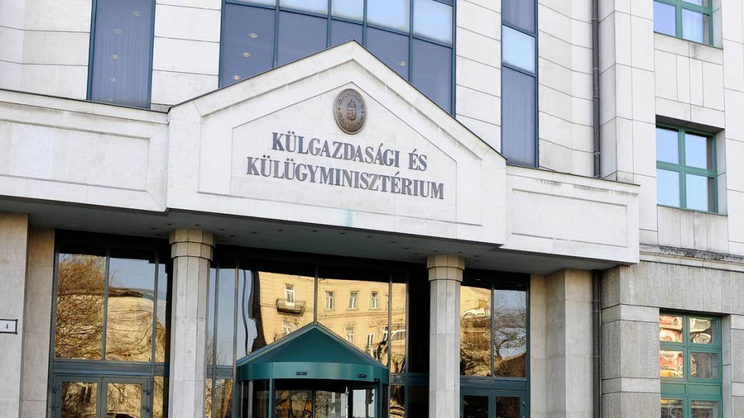 Thousands of visa abuses at Hungarian embassy in Moscow