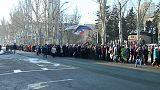 Miles de personas despiden al jefe militar prorruso Mijail Tolstij en Donetsk