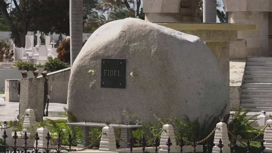 Cuba: Fidel Castro's tomb becomes place of pilgrimage